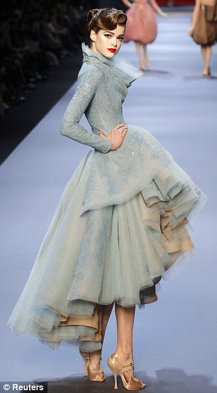 Dior-blue_&_golden-dress